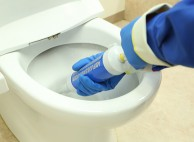 尿石などのしつこい汚れも徹底的にキレイにします
